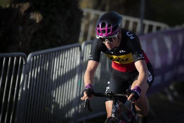 """Ronde van Vlaanderen - Lotte Kopecky """"baalt"""" na mechanisch defect op Oude Kwaremont"""