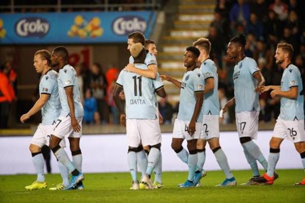 Jupiler Pro League - Club Brugge blijft ongeslagen leider na krappe zege in Moeskroen