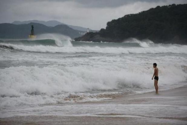 Noord-Koreaan steekt al zwemmend over naar Zuid-Korea