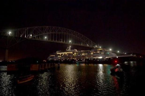 Le croisiériste Holland America craint de nouveaux décès si ses navires restent en mer