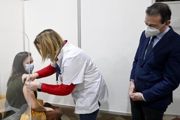 """""""Vaccinatie verplichten is voor mij geen taboe"""" (Wouter Beke)"""