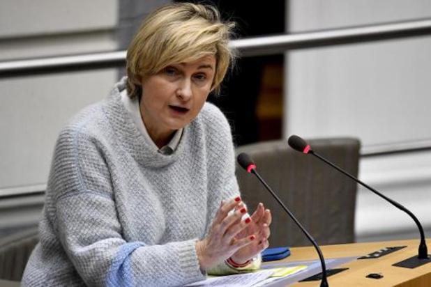 Coronavirus : trois ministres en quarantaine