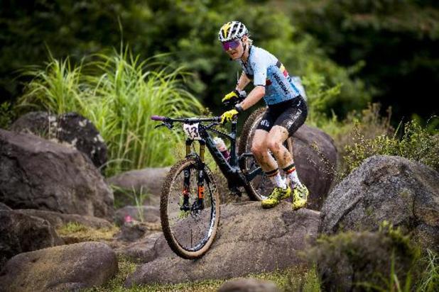 La Française Pauline Ferrand-Prévôt conserve son titre de mountainbike, Githa Michiels 7e