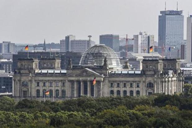 Duizenden coronabetogers verzamelen zich bij de Bondsdag in Berlijn