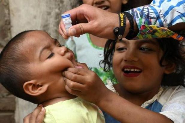 Pakistan start vaccinatiecampagne tegen polio nu coronabesmettingen dalen