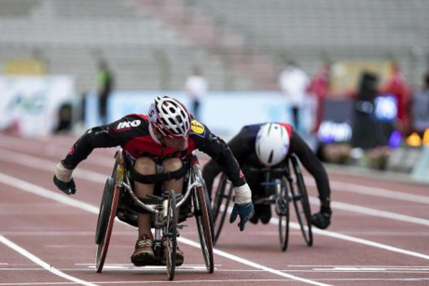 Peter Genyn scherpt zijn wereldrecord aan op 100m rolstoelsprint