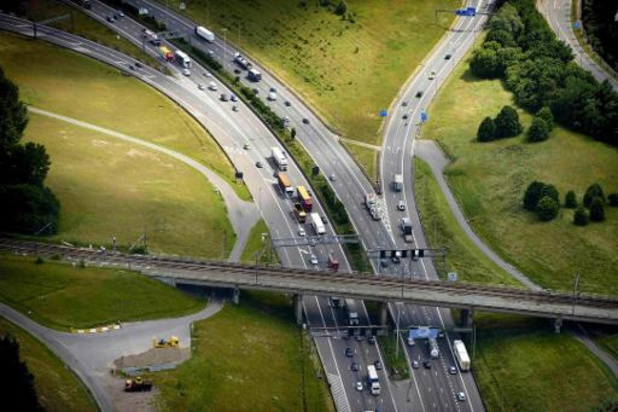 Ongeval in Kennedytunnel veroorzaakt veel verkeershinder vanuit Waasland