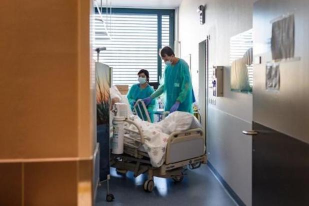 La Suisse enregistre un millier de nouveaux cas de Covid-19
