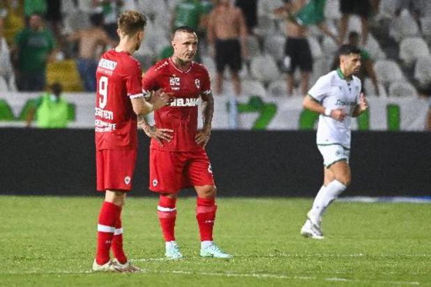 Europa League - Antwerp, met invaller Nainggolan, verliest heenwedstrijd bij Omonia Nicosia met 4-2