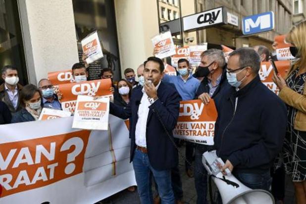 Vlaams Belang voert bij CD&V-burgemeesters actie tegen 'anti-Vlaamse Vivaldicoalitie'