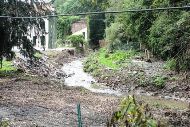 L'évacuation des 160.000 tonnes de déchets issus des inondations a commencé à Liège
