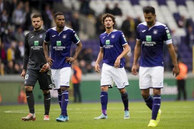 Top vier bikkelt bovenin, Anderlecht moét reageren in Charleroi