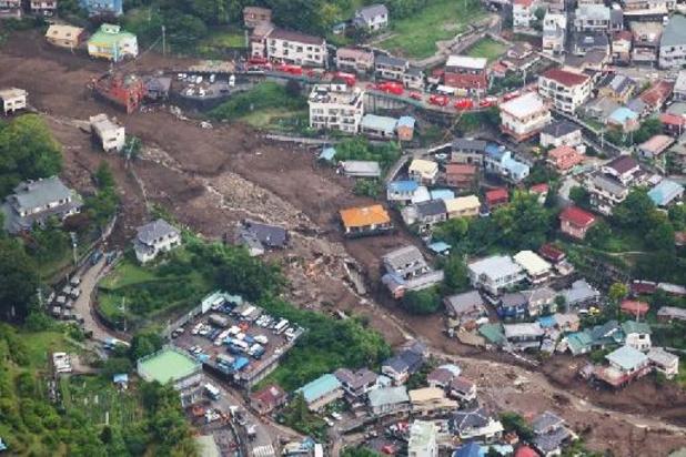Al vier doden en nog minstens 64 vermisten na modderstroom in Japan