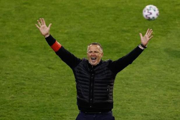 """Coupe de Belgique - """"Une coupe qui compte beaucoup pour le club, mais aussi pour moi"""", sourit Van den Brom"""