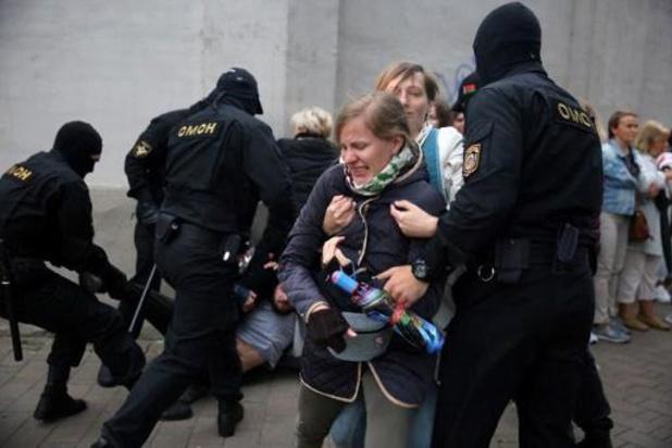 Plus de 120 arrestations lors de nouvelles manifestations au Bélarus