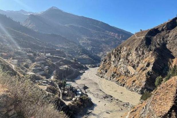 Indiase autoriteiten verklaren 136 mensen dood na gletsjerramp