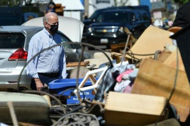 Le président Biden met en garde contre le changement climatique dans un New York endommagé