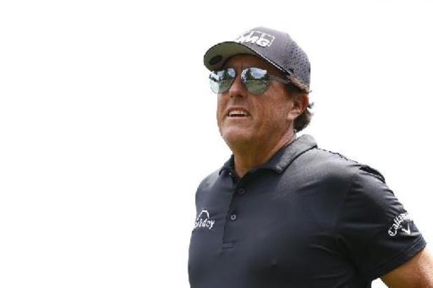 PGA Championship golf - Phil Mickelson begint als leider aan slotronde