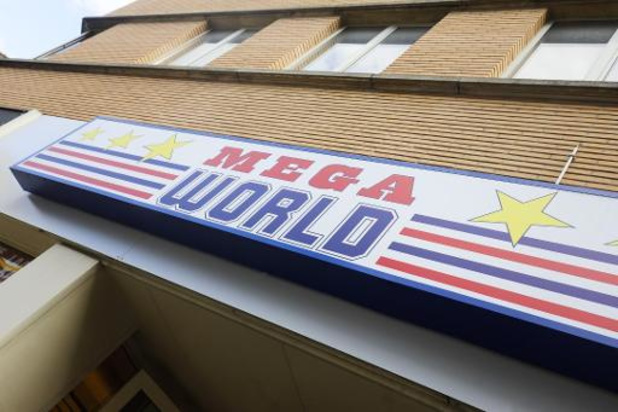 Dirk Bron reste CEO de Mega World