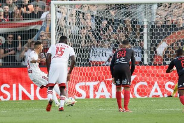 Jupiler Pro League - Le Standard remporte le derby à Seraing 0-1 et se retrouve 2e à un point de Bruges