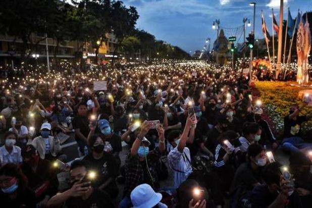 Duizenden betogen in Bangkok voor meer democratie