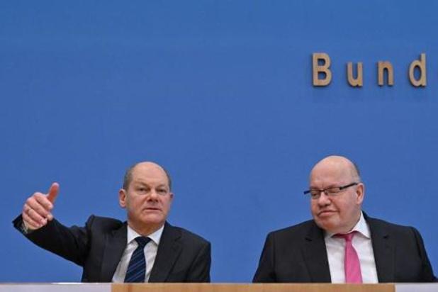 """Duitse regering haalt miljardenbazooka boven en belooft bedrijven """"onbegrensde steun"""""""