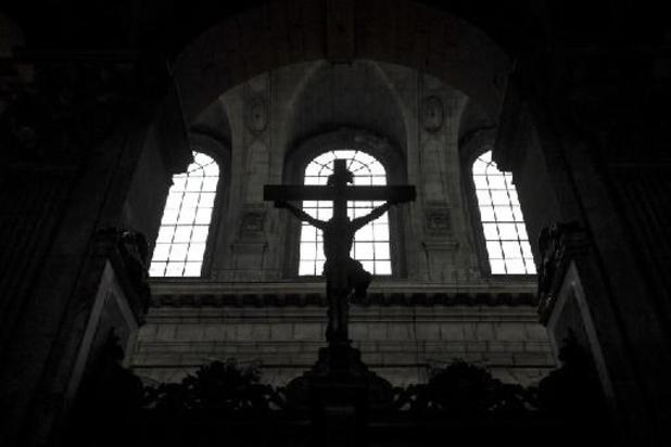 """Pédocriminalité dans l'Eglise: une pétition pour """"franchir les frontières"""""""