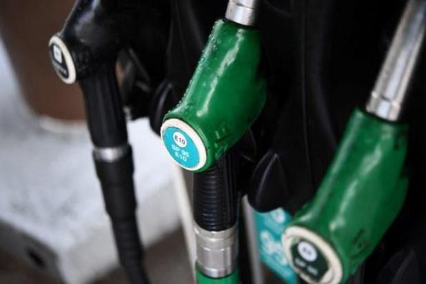 La chute du prix du baril de pétrole fait l'affaire du consommateur, moins du grossiste