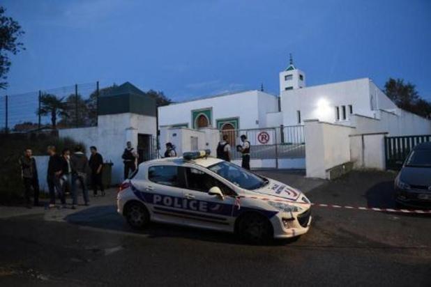 """Tirs à la mosquée de Bayonne: les deux blessés dans un état """"stable"""""""