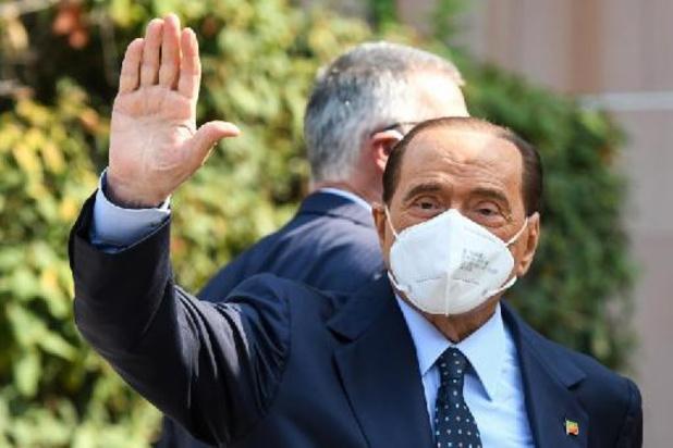 Silvio Berlusconi sort de l'hôpital après y être resté une semaine