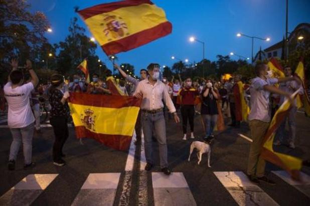 Spaanse premier wil noodtoestand met 15 dagen in plaats van maand verlengen
