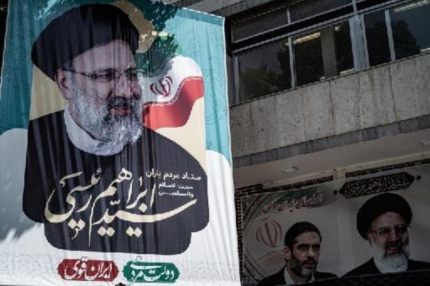 """Iran: Khamenei loue l'""""action"""" de Raïssi, futur président"""