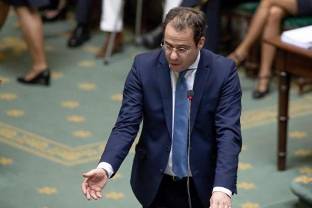 Alle asielzoekers opsluiten zou tot 3 miljard euro kosten