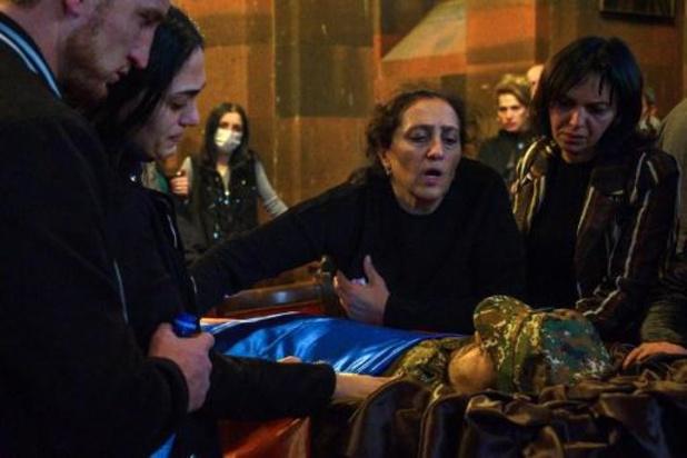 """Au Nagorny Karabakh, le nombre de morts """"s'approche de 5.000"""", selon Vladimir Poutine"""
