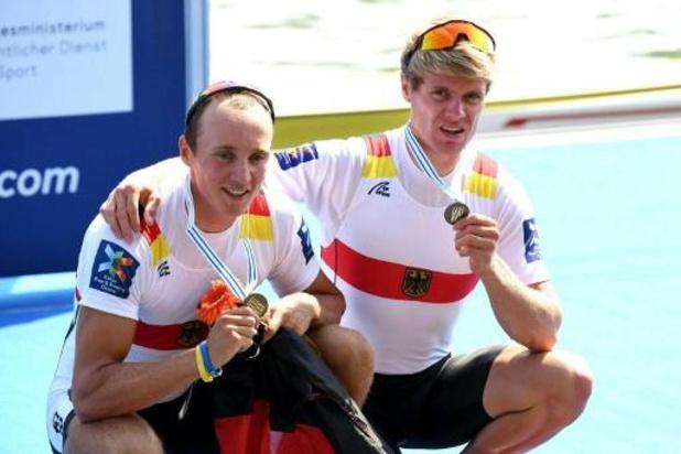 Roeier Jason Osborne verrast wielrenners in eerste virtueel WK wielrennen