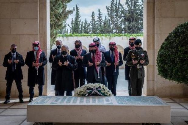 Jordaanse koninklijke halfbroers verschijnen samen in het openbaar