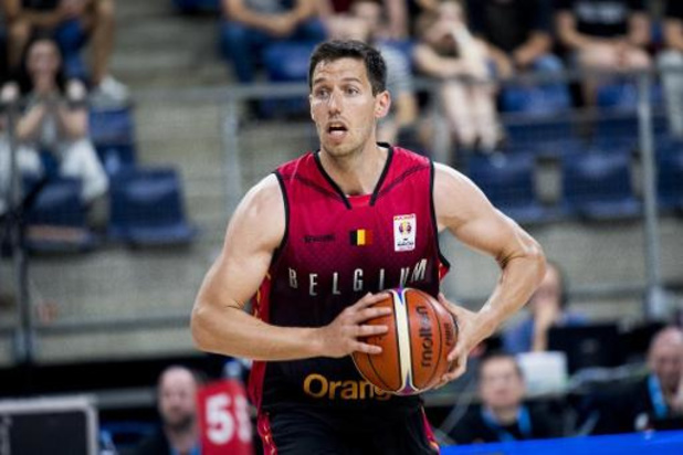Euroleague basket (m) - Sam Van Rossom loodst Valencia voorbij Real Madrid