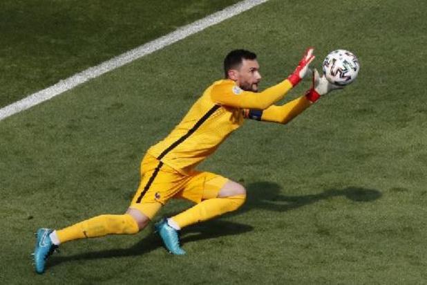 """Déjà qualifiés, les Bleus doivent """"respecter le jeu"""", selon Deschamps"""