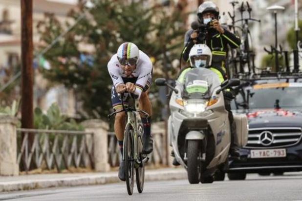 Giro: Wereldkampioen tijdrijden Filippo Ganna pakt eerste roze trui