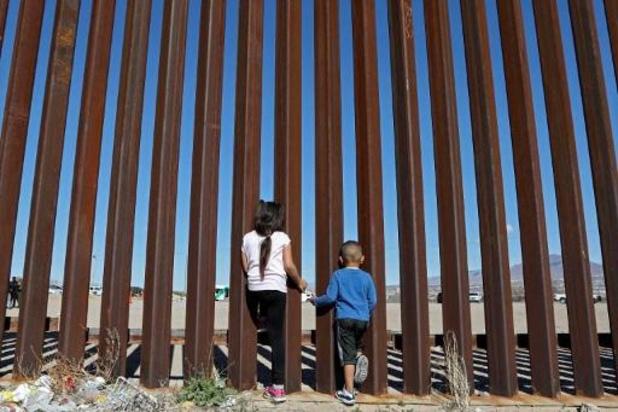 """""""Meer dan 500 kinderen van migranten in de VS nog steeds van ouders gescheiden"""""""