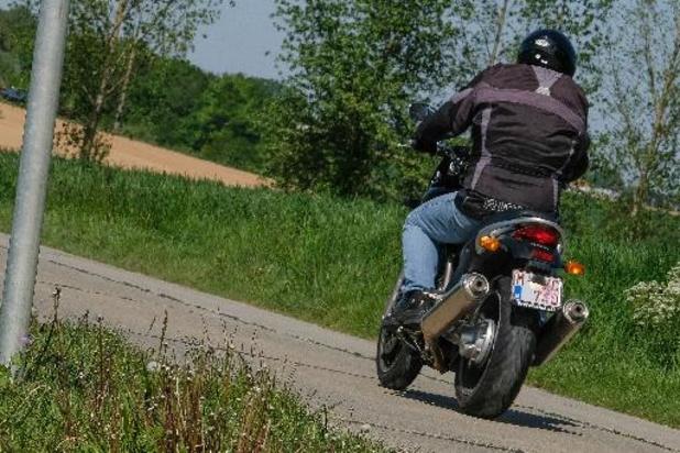 L'AWSR organise un concours pour aider les motards à sortir leur deux-roues de l'hivernage