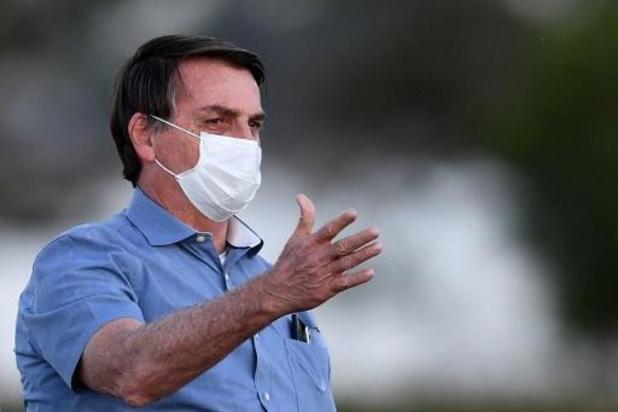 Bolsonaro annonce qu'il est désormais négatif au nouveau coronavirus