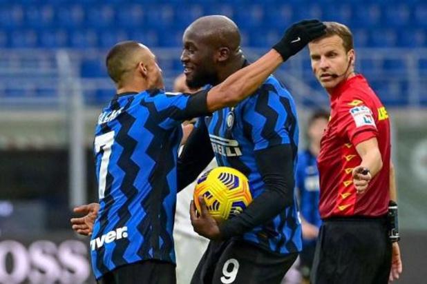 Lukaku loodst Inter met twee doelpunten en assist voorbij Torino