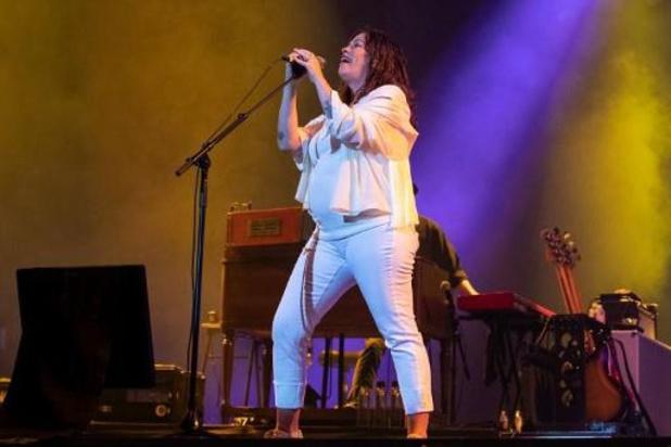 Alanis Morissette sort une chanson et annonce une tournée