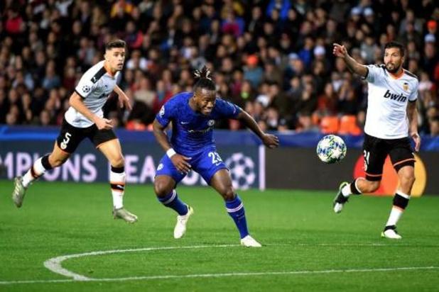 Invaller Batshuayi geraakt met Chelsea niet voorbij zijn ex-club Valencia