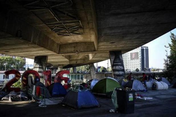 Paris: arrivée de plus de 300 Afghans évacués de Kaboul