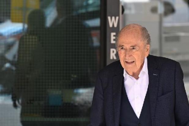 Sepp Blatter voit son rendez-vous avec la justice suisse prolongé jusqu'à mercredi