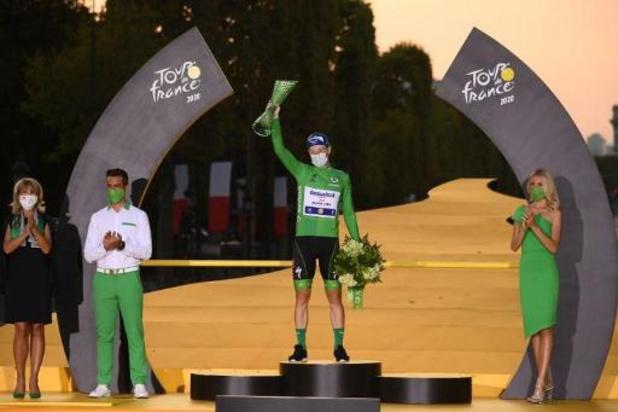 """Tour de France - Bennett wint in groen in Parijs: """"Een droom waarvan ik niet eens wist dat ik hem had"""""""