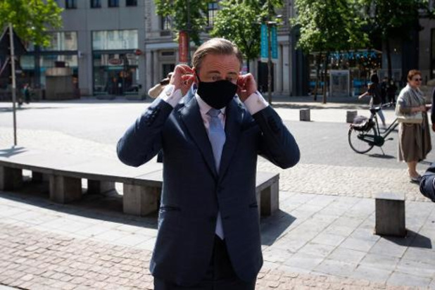 Stad Antwerpen stuurt lokale coronamaatregelen weer wat bij