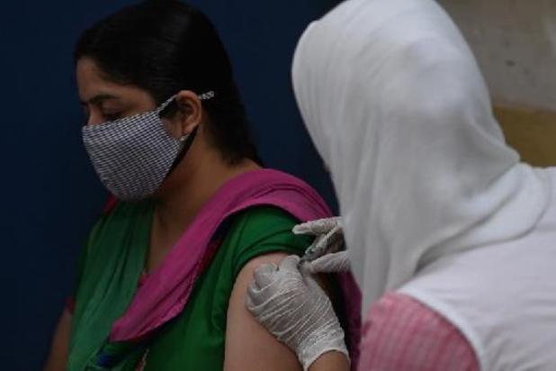 L'Inde rapporte une baisse du nombre de nouveaux cas et de décès mais la peur persiste